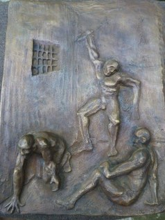 150819_EnzoCosi_Prigionieri